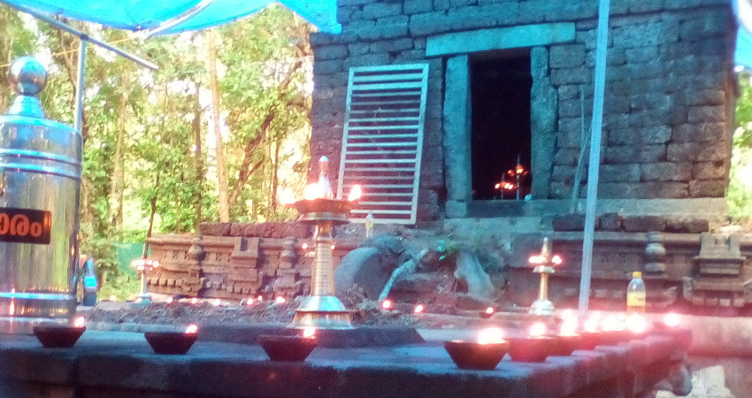 Paravannur Chandanakandathil SankaraNarayana temple